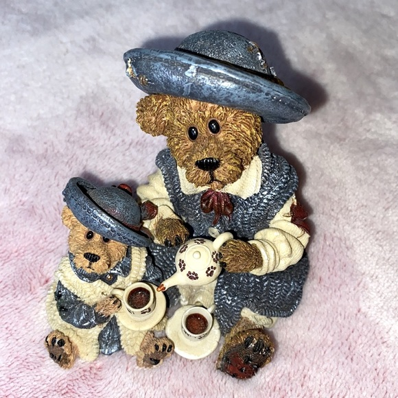 Teddy bear VINTAGE Boyd's Bears teatime mom child